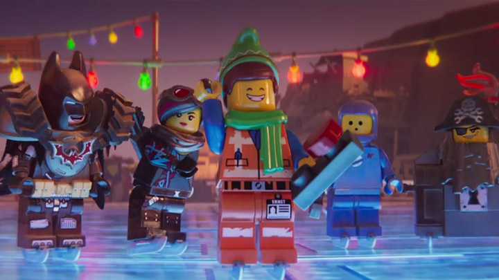 watch Emmet's Holiday Party: A LEGO Movie Short